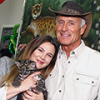 Drew Barrymore and Jack Hanna at Safe Kids Day 2016