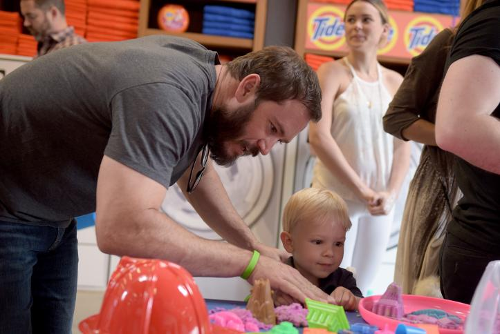 Mark Paul Gosselaar with son at Safe Kids Day 2016